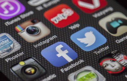Metode Penjualan Melalui Aplikasi Media Sosial